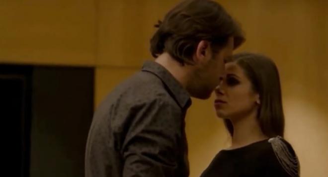 """Защо са калпави любовните сцени в """"Пътят на честта""""? Мариана Попова тормози с луда ревност екипа на сериала!"""