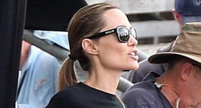 Анджелина Джоли беше обявена за женска икона
