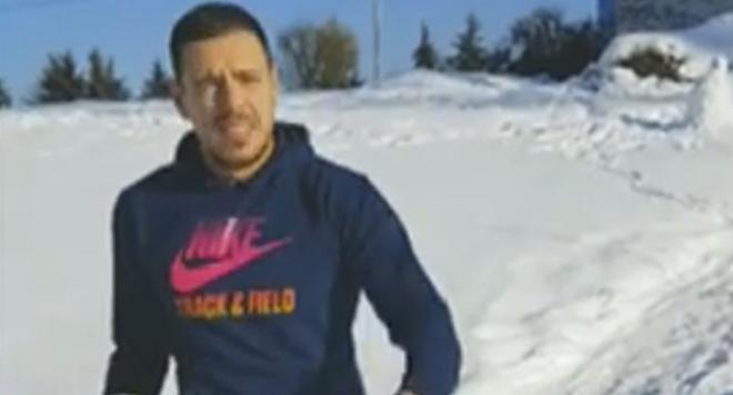 Присмял се хърбел на щърбел: Лудия репортер се гаври с Божинов (ВИДЕО)
