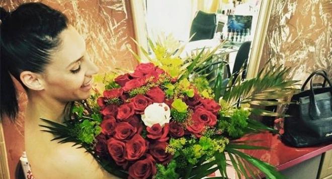 Златка с рози за ЧРД