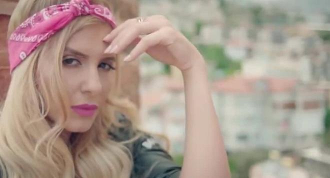 СКАНДАЛ!  Анелия с крадена песен и клип (ВИДЕО)