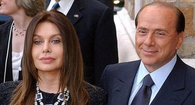 Хубавици в партията  на Берлускони