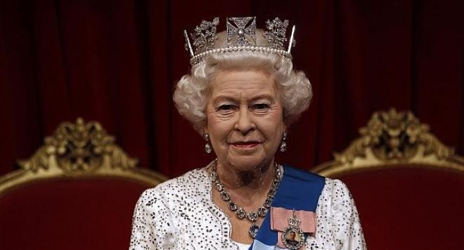 Гард на кралица Елизабет II едва не е я застреля!