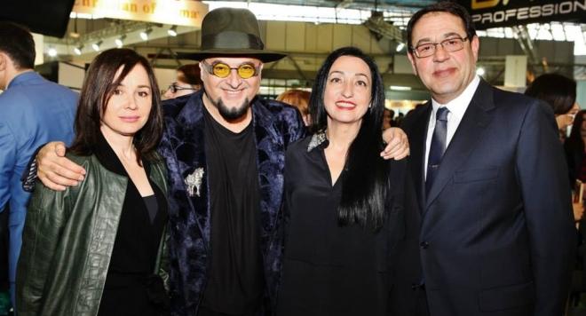 Италианският фестивал на модата зарадва абитуриенти и онкоболни
