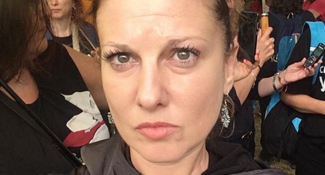 Изоставена съпруга: Миролюба Бенатова открадна мъжа ми!  Това е безскрупулно, отвратена съм