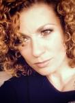 Люси Дяковска с разтърсваща изповед: Слави спаси живота ми, подаде ми ръка, след като ме изнасилиха!