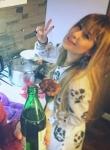 Семейна идилия: Криско жули бира, Мис Плеймейт му пържи кюфтета