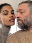 Бившият на Моника Белучи стана татко за трети път