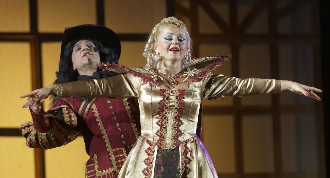 Илина Михайлова: Всяка жена мечтае да бъде... кралица!